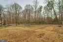 LARGE fenced in back yard - 28 BREEZY HILL DR, STAFFORD