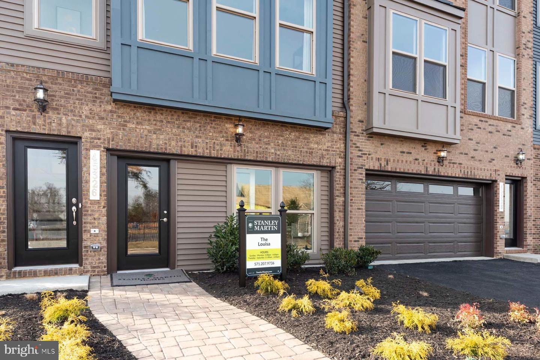 Additional photo for property listing at 0 Glenn Dr 0 Glenn Dr Sterling, Virginia 20164 United States