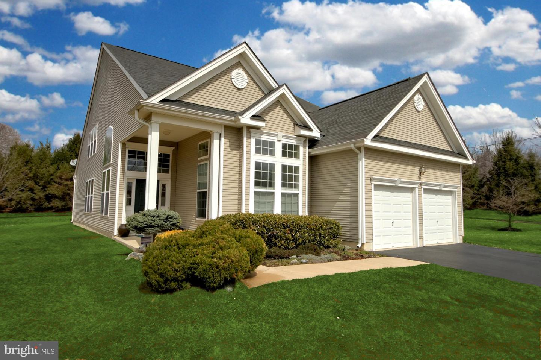 Villa per Vendita alle ore 17 PINE HILL Court Dayton, New Jersey 08810 Stati UnitiIn/In giro: South Brunswick Township