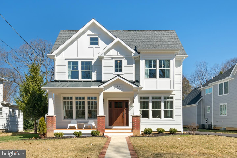 Частный односемейный дом для того Продажа на 315 HICKORY Haddonfield, Нью-Джерси 08033 Соединенные Штаты