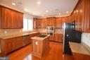 Granite and stainless steel - 25989 DONOVAN DR, CHANTILLY