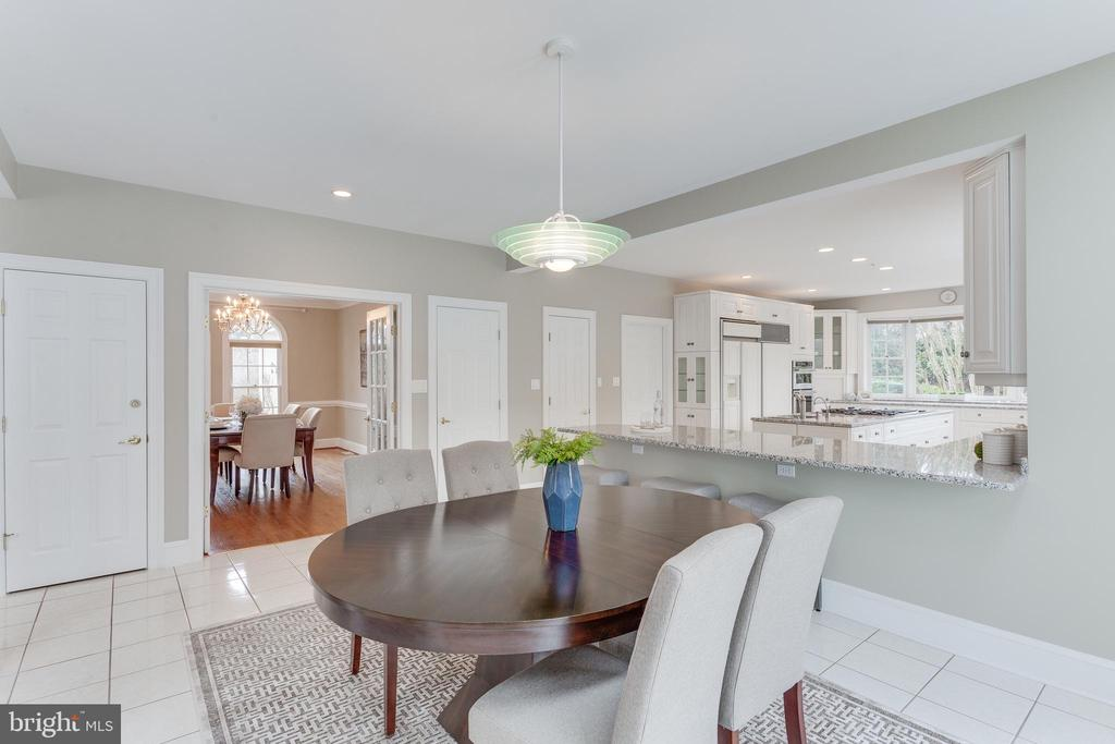 Breakfast Room is Open to Kitchen & Family Room. - 2107 POLO POINTE DR, VIENNA