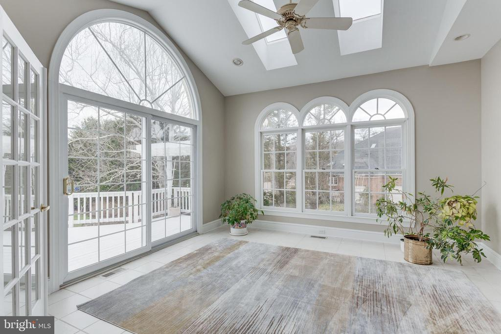 Light-filled Sunroom. - 2107 POLO POINTE DR, VIENNA