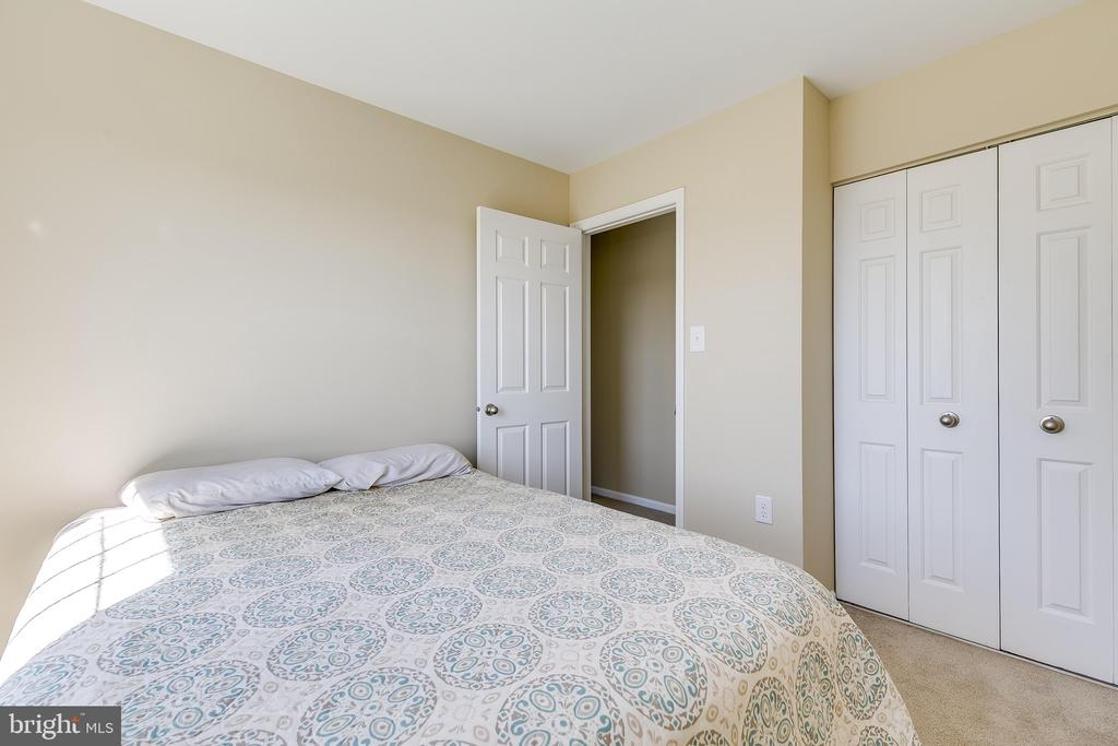 Sunny Secondary Bedroom #3 - 13309 FOXHOLE DR, FAIRFAX