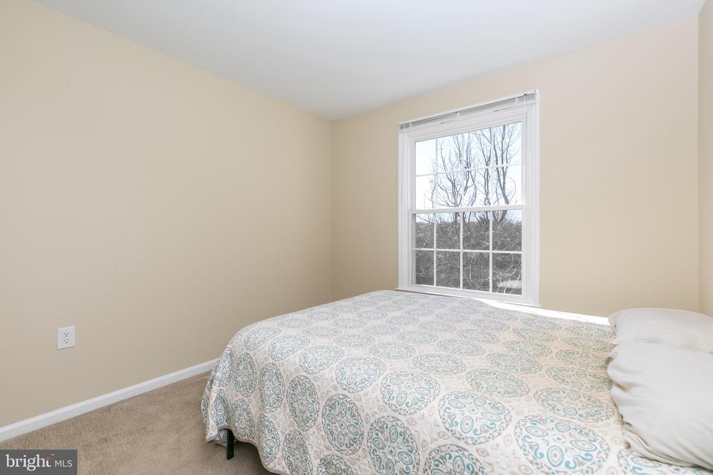 Sunny Secondary Bedroom #4 - 13309 FOXHOLE DR, FAIRFAX