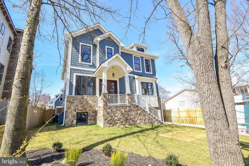 Front of house - 1812 N BARTON ST, ARLINGTON