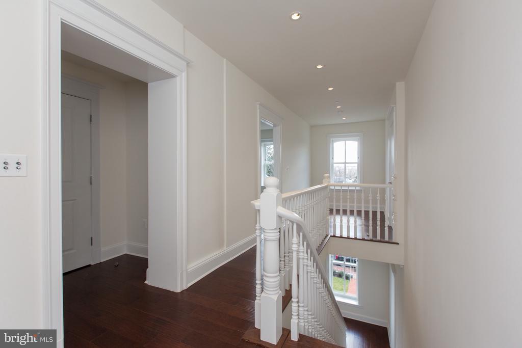 Third floor public area - 2715 N ST NW, WASHINGTON