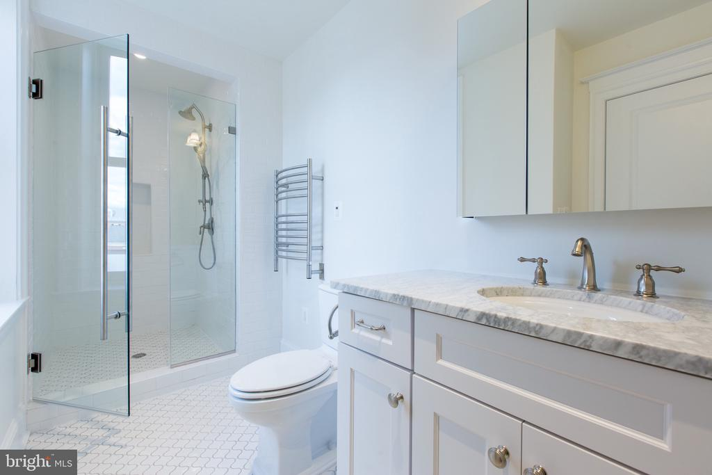 Bathroom - 2715 N ST NW, WASHINGTON