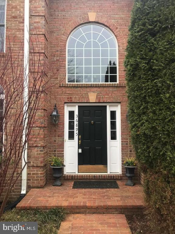 Front door - 36895 LEITH LN, MIDDLEBURG