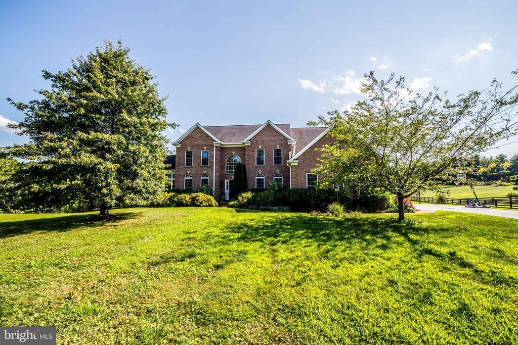 Summerview of front - 36895 LEITH LN, MIDDLEBURG