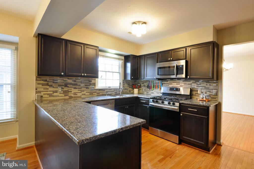 Stainless Steel Appliances! - 9 BANKSTON CT, STAFFORD