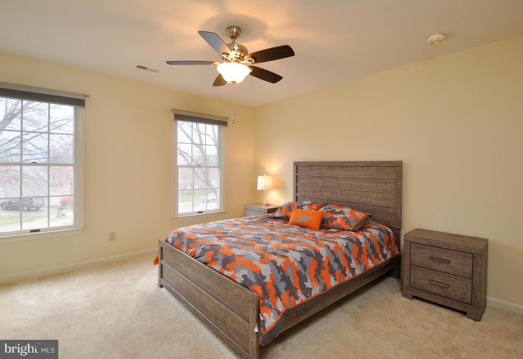Bright and Light Bedroom! - 9 BANKSTON CT, STAFFORD