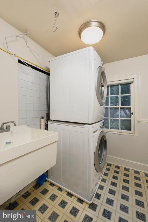 A laundry room conveniently located next to theMBR - 317 S SAINT ASAPH ST, ALEXANDRIA