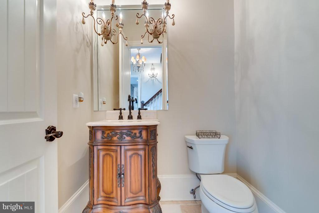 Main Level Powder Room 1 - 22662 CREIGHTON FARMS DR, LEESBURG