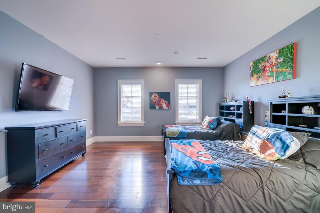 Upper Level Master Bedroom - 22662 CREIGHTON FARMS DR, LEESBURG