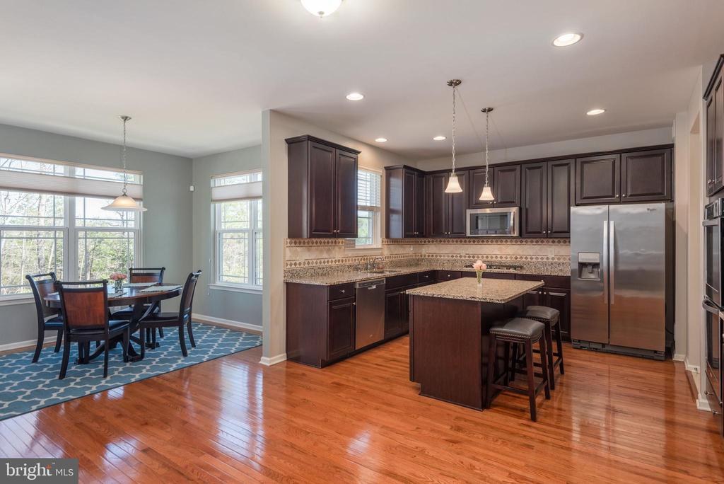 Beautiful cabinetry and granite countertop - 181 MILL RACE RD, STAFFORD