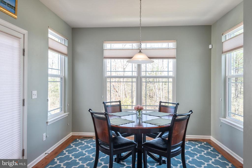 Large, open dining space or sunroom - 181 MILL RACE RD, STAFFORD