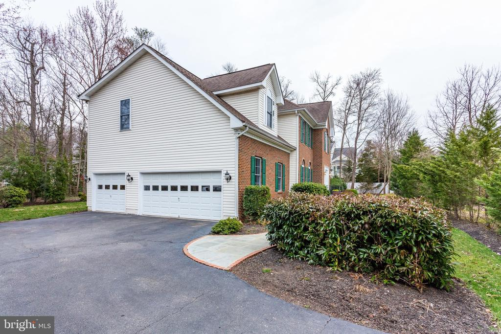 Attached garage with lots of storage - 4112 FERRY LANDING RD, ALEXANDRIA