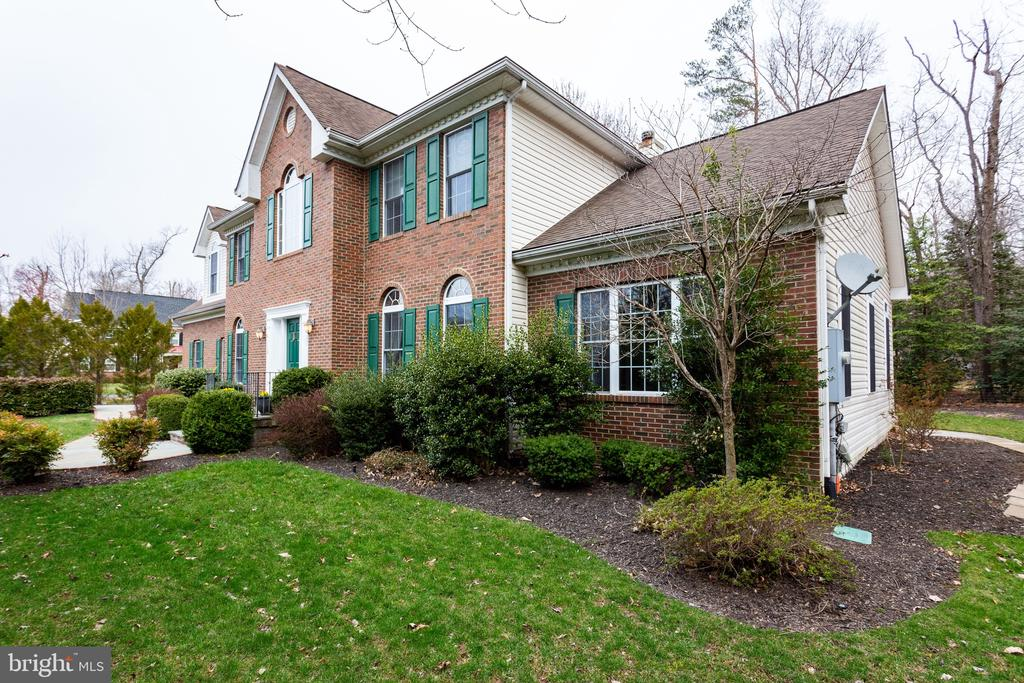 Over 3700SF of living space - 4112 FERRY LANDING RD, ALEXANDRIA