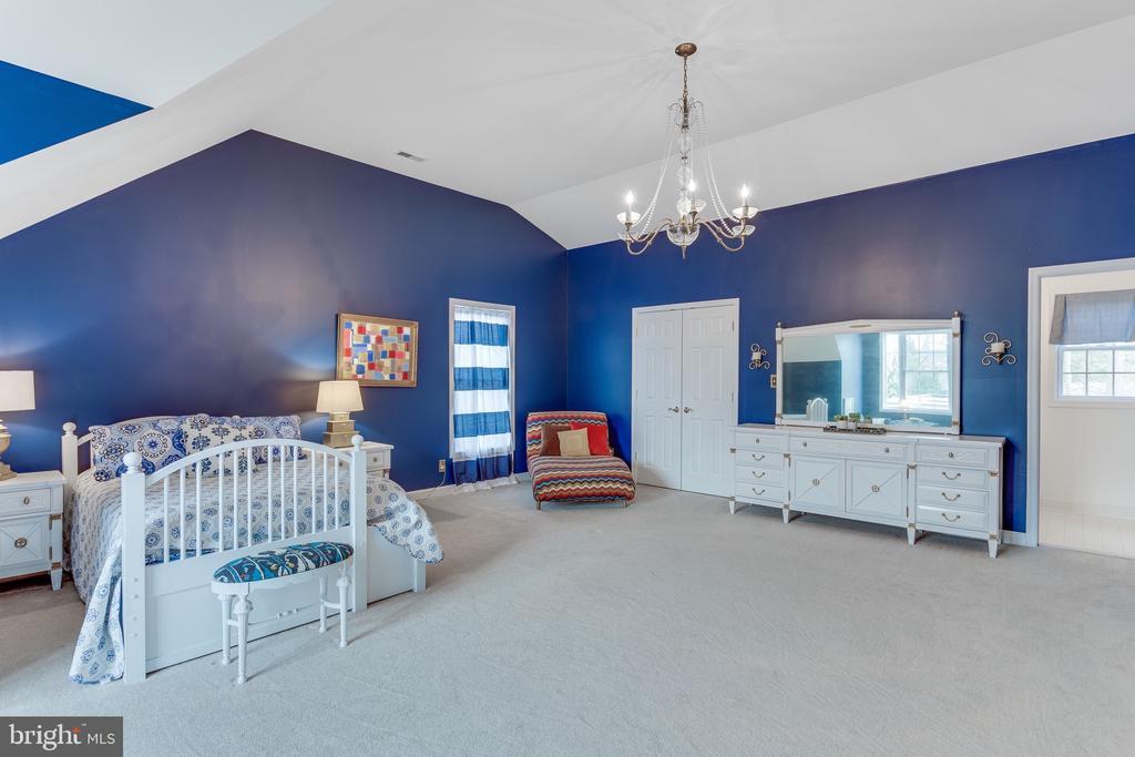 Expansive bedroom #3 - 4112 FERRY LANDING RD, ALEXANDRIA