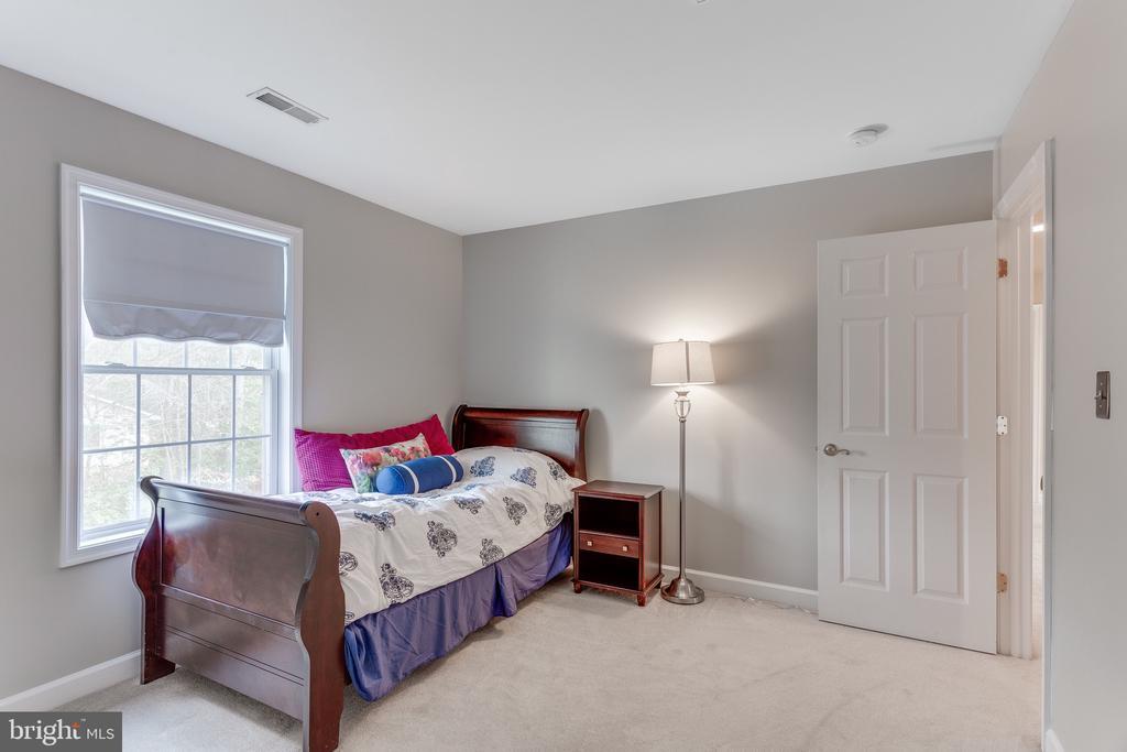 Bedroom #2 on upper level - 4112 FERRY LANDING RD, ALEXANDRIA