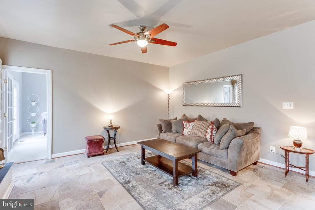 Relax while your favorite cook makes you dinner... - 4112 FERRY LANDING RD, ALEXANDRIA