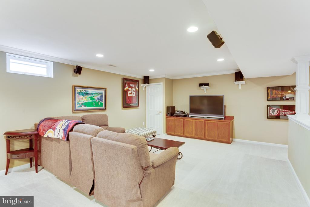 Watch your favorite game in the media/game room - 4112 FERRY LANDING RD, ALEXANDRIA