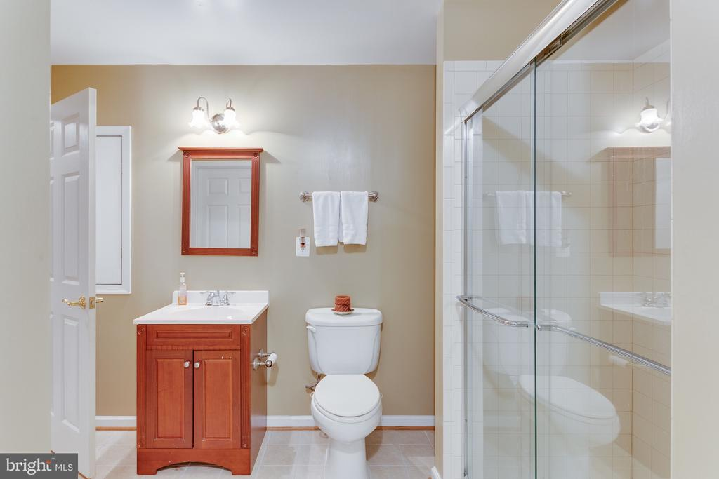 Full bath off au-pair suite/in law suite - 4112 FERRY LANDING RD, ALEXANDRIA