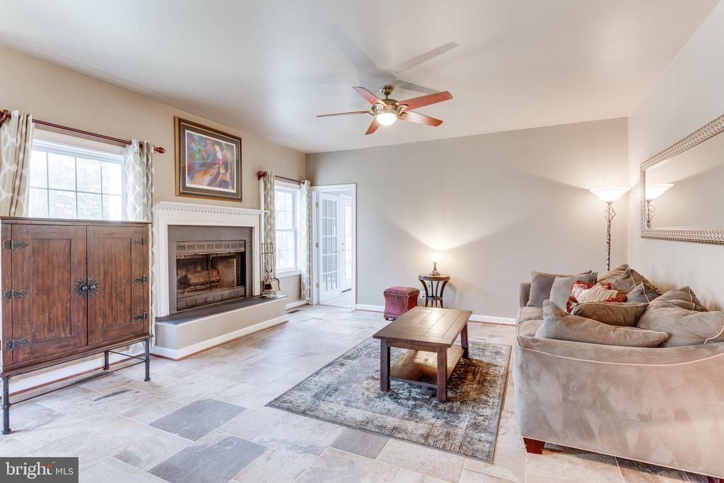 Family room off kitchen - 4112 FERRY LANDING RD, ALEXANDRIA