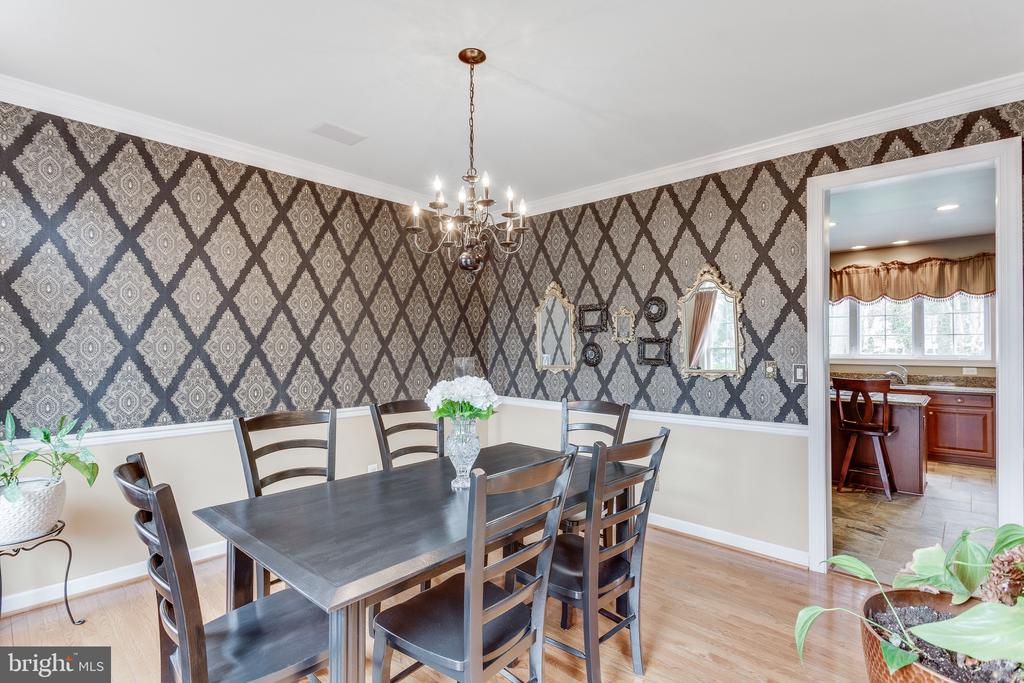 Natural light in the formal dining room - 4112 FERRY LANDING RD, ALEXANDRIA