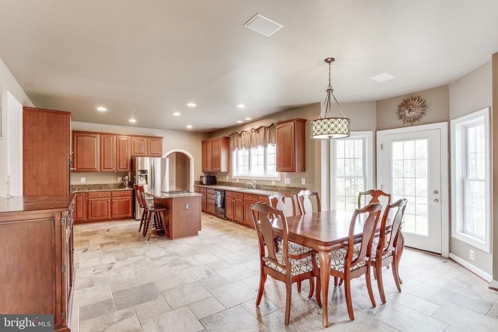 Open floor plan to kitchen/dining/family room - 4112 FERRY LANDING RD, ALEXANDRIA