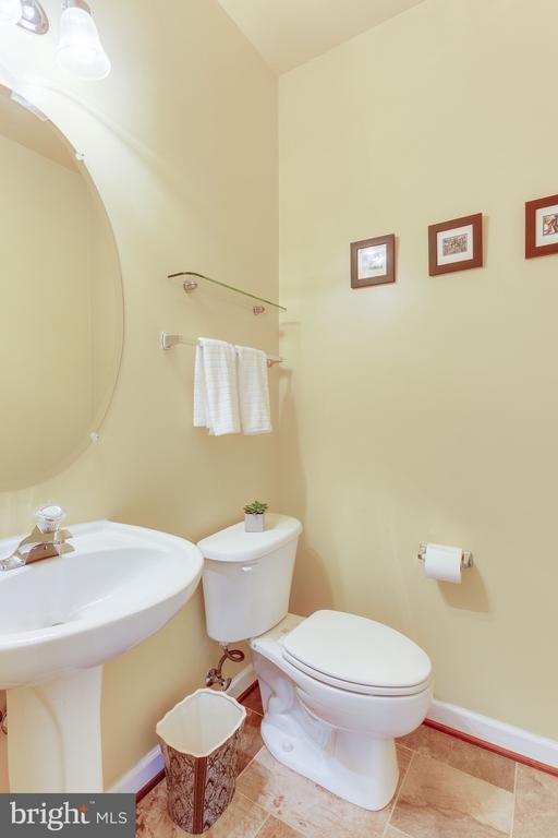 Powder room off kitchen for guests - 4112 FERRY LANDING RD, ALEXANDRIA