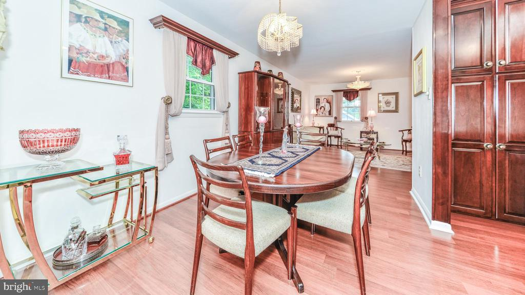 DINING ROOM ON UPPER LEVEL - 7138 SHREVE RD, FALLS CHURCH