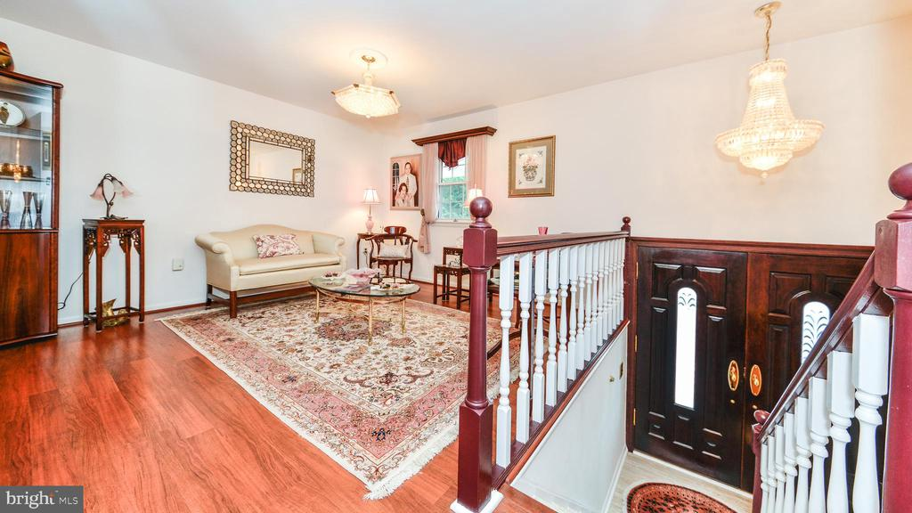 GLEAMING HARDWOOD FLOORS ON ENTIRE UPPER LEVEL - 7138 SHREVE RD, FALLS CHURCH