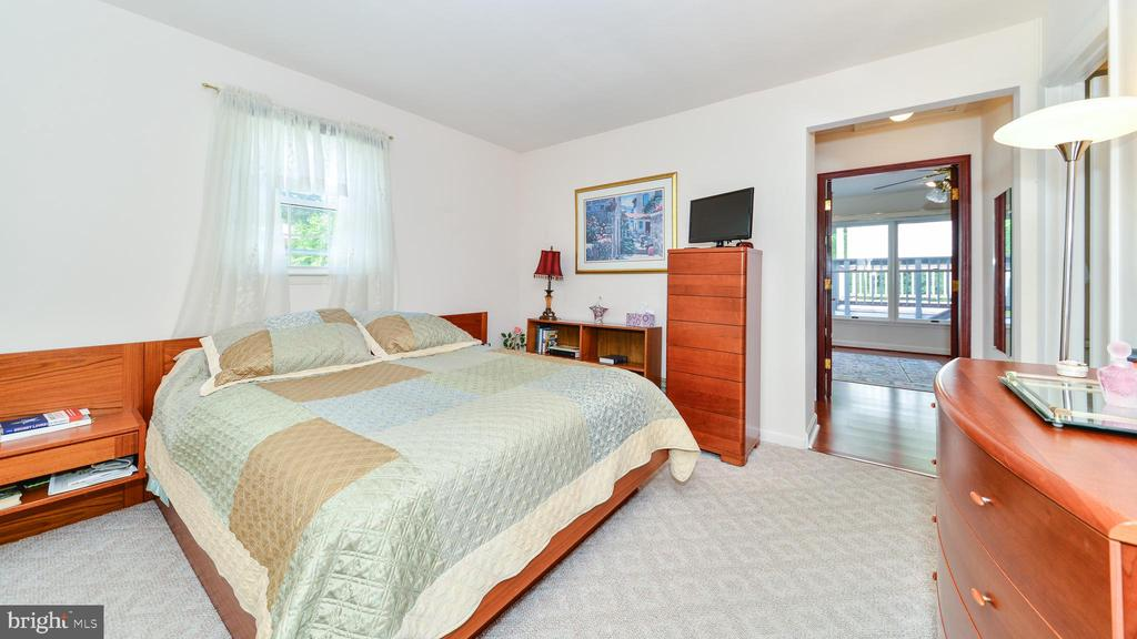 UPPER LEVEL BEDROOM - 7138 SHREVE RD, FALLS CHURCH
