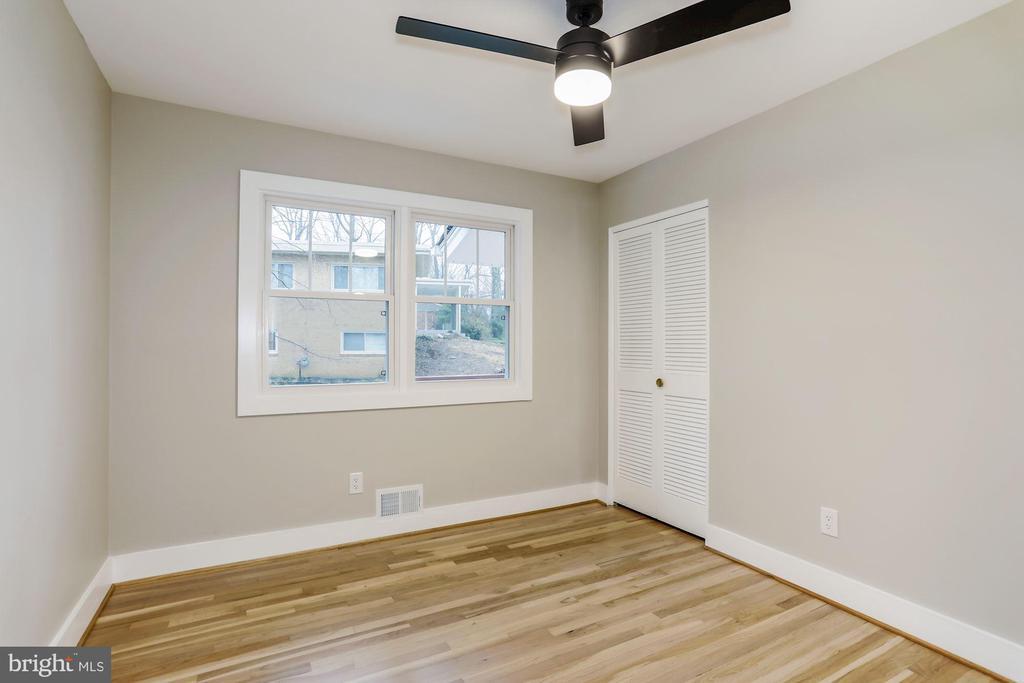 Fourth Bedroom - 9215 SAINT MARKS PL, FAIRFAX