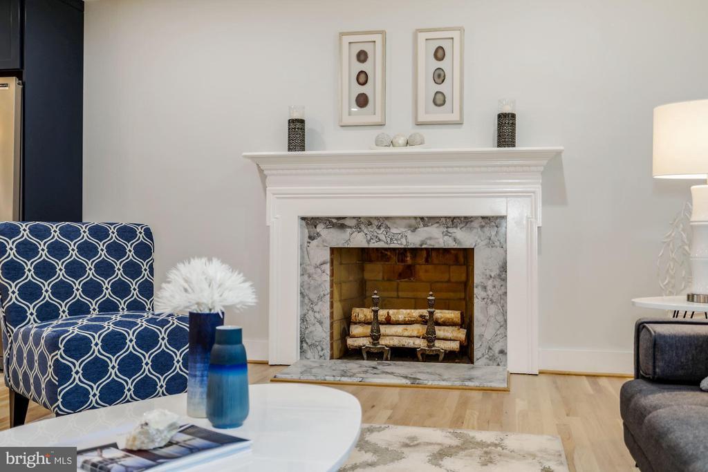 Woodburning Fireplace - 9215 SAINT MARKS PL, FAIRFAX