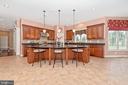 Stunning kitchen - beautiful granite countertops. - 6902 SOUTHRIDGE PL, MIDDLETOWN