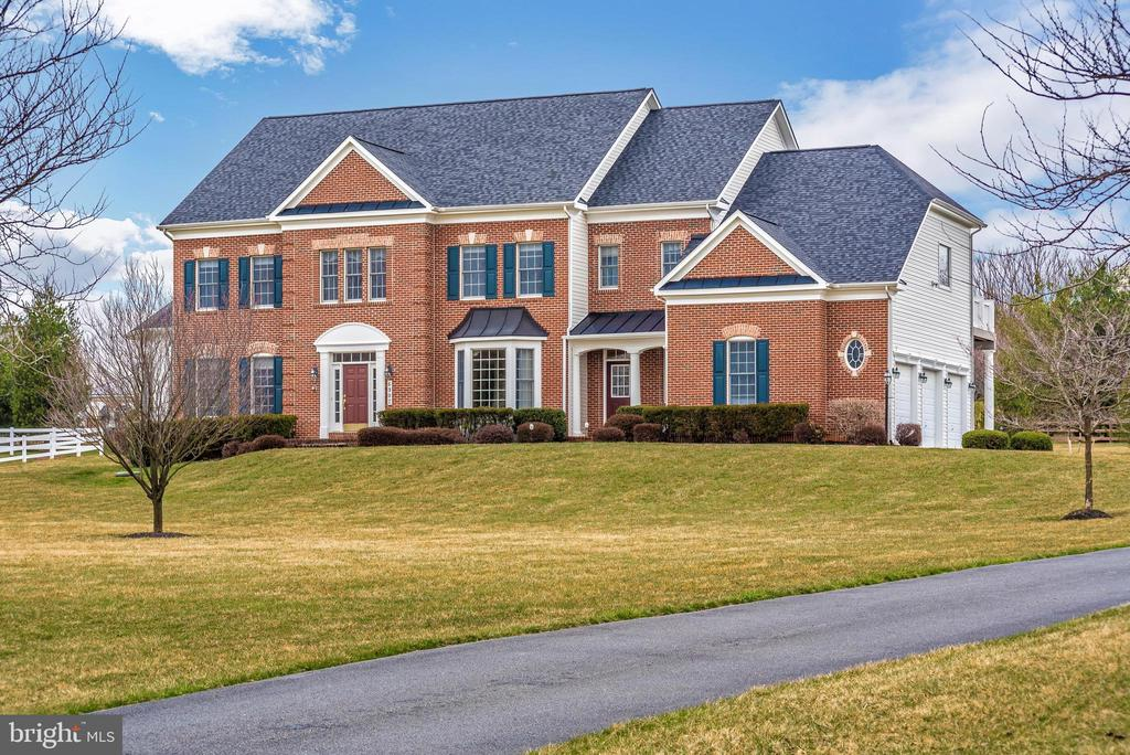You will fall in love! - 6902 SOUTHRIDGE PL, MIDDLETOWN