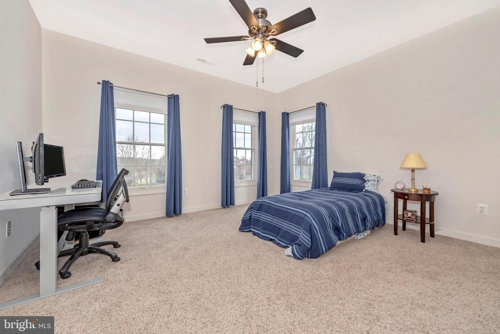 Fourth bedroom. - 6902 SOUTHRIDGE PL, MIDDLETOWN