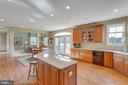 Large windows & lots of recessed lights - 40475 SOUSA PL, ALDIE