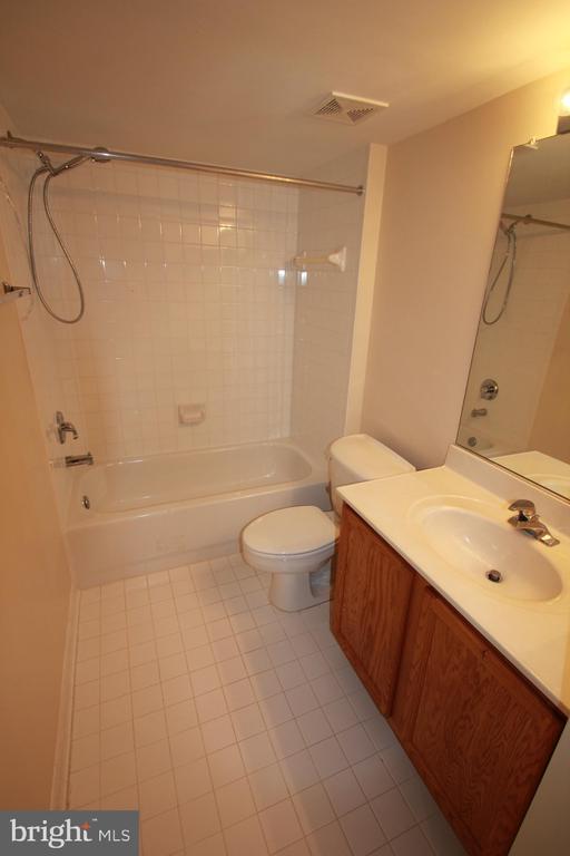 Full Bath in Basement - 3 BLUEFIELD LN, FREDERICKSBURG