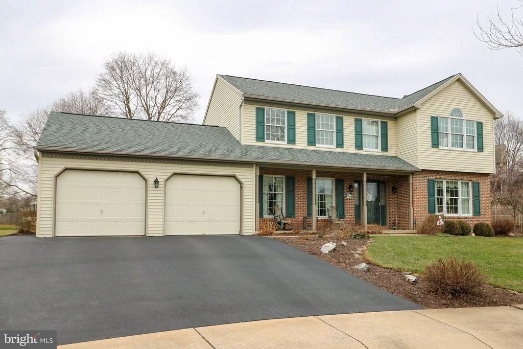 7  APPLE DRIVE, Manheim Township, Pennsylvania