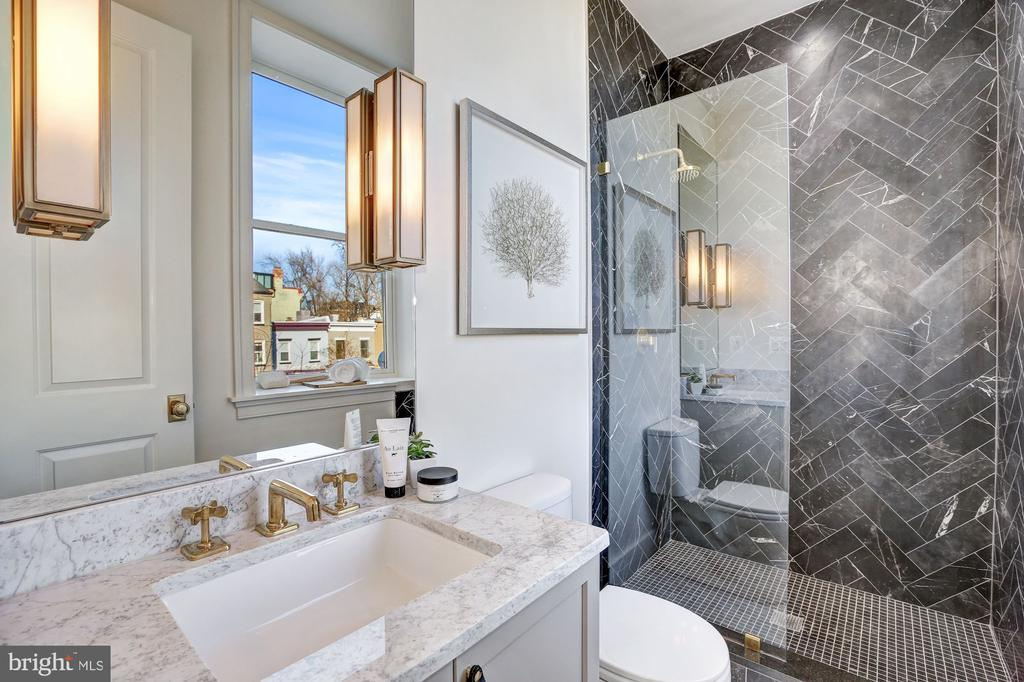 Guest Bathroom with Italian Black Marble - 1810 15TH ST NW #1, WASHINGTON
