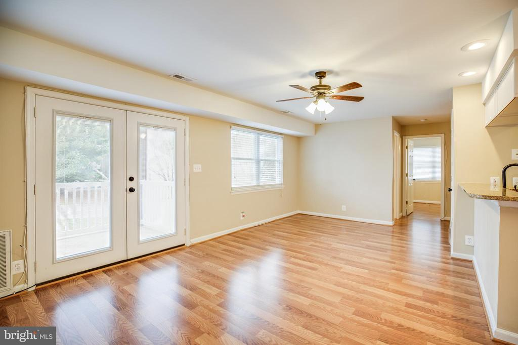 Family room leading to back deck - 100 CHESTERFIELD LN #201, STAFFORD