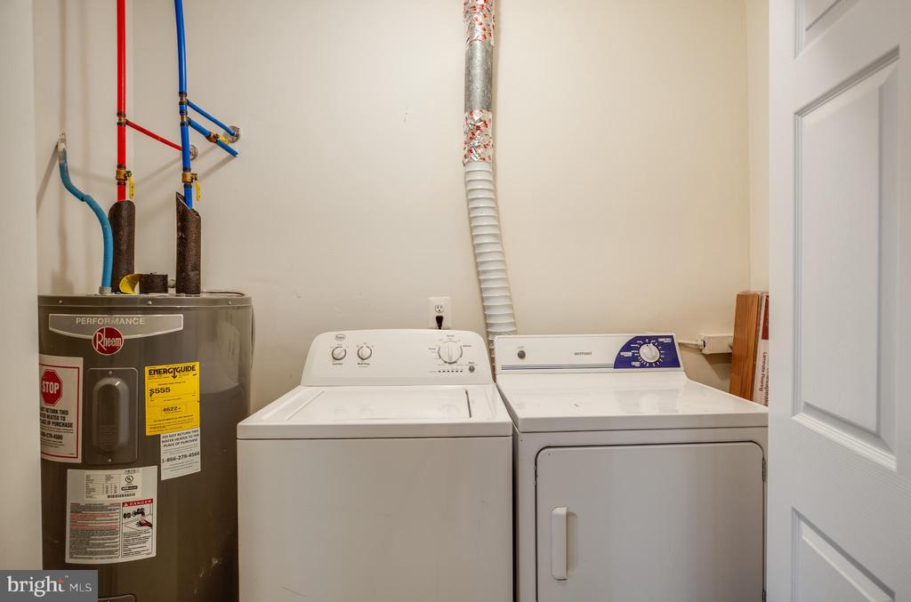 Water closet, washer and dryer - 100 CHESTERFIELD LN #201, STAFFORD