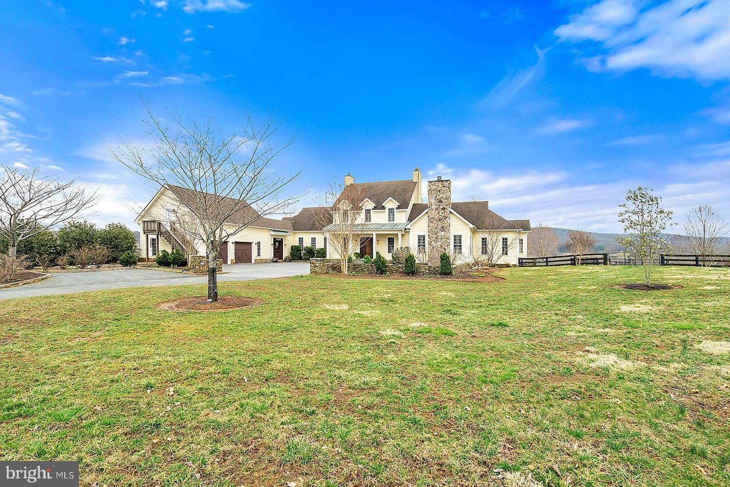 Single Family Home for Sale at 24082 Champe Ford Road Middleburg, Virginia 20117 United States