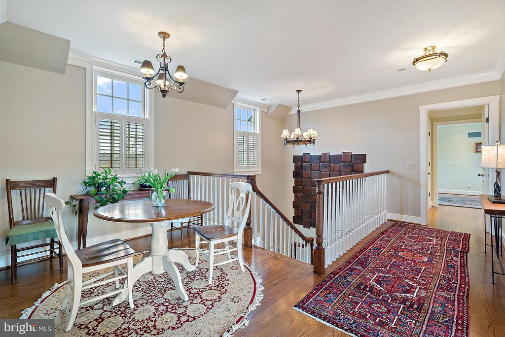 Upstairs sitting area - 24082 CHAMPE FORD RD, MIDDLEBURG
