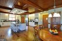 White kitchen cabinets St - 9910 AGNES LN, SPOTSYLVANIA