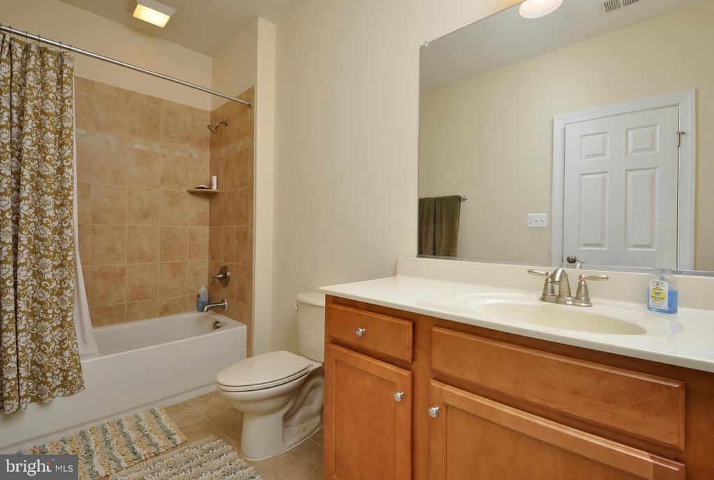 Basement full bathroom - 9910 AGNES LN, SPOTSYLVANIA